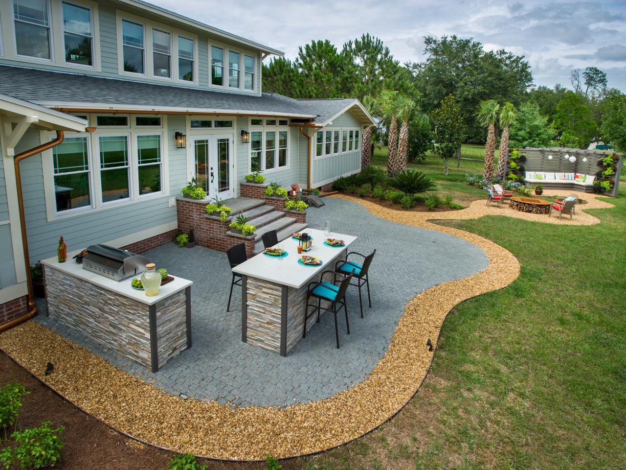 diy_bc14_patio_outdoor-kitchen-patio-pergola_h.jpg.rend.hgtvcom.1280.960